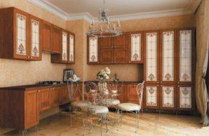 Витражи в кухонной мебели
